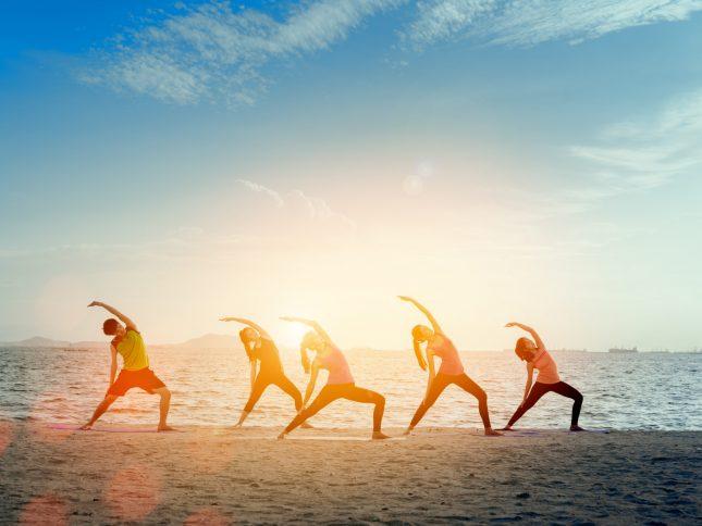 cours yoga sur la plage