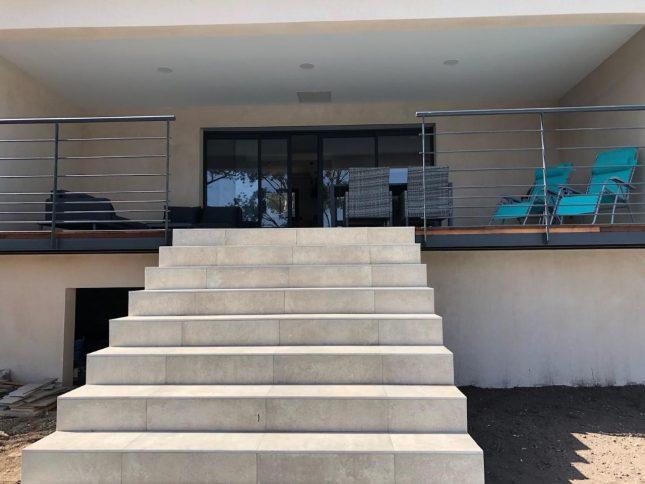 accès terrasse de la piscine